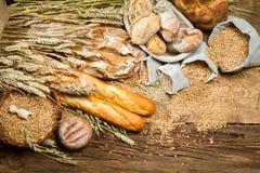 Tutti i prodotti fatti dai tipi differenti di cereali Fotografia Stock Libera da Diritti