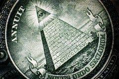 Tutto l'occhio vedente sulla parte posteriore del dollaro Bill American Money fotografie stock libere da diritti