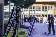 Tux, el Tyrol, Schwaz, Austria - 12 de febrero de 2015: Estación de esquí en el glaciar de Hintertux fotos de archivo libres de regalías