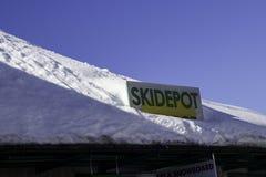 Tux Tyrol, Schwaz, Österrike - Februari 12 2015: Panorama- skidar semesterorten på den Hintertux glaciären Royaltyfri Foto