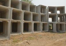 Tuyau carré concret de drainage Photo libre de droits