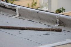 Tuyau rouillé sur un toit Photos stock