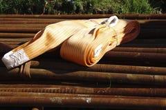 Tuyaux d'acier de rouille dans l'entrepôt Photographie stock