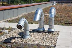 Tuyaux de conduit de toit Photo stock