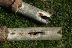Tuyaux en acier corrodés et bloqués de ménage Photo stock