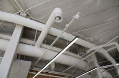 Tuyaux en acier industriels de ventilation Photographie stock