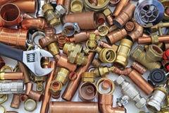 Tuyaux et garnitures du ` s de plombier image libre de droits