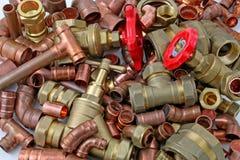 Tuyaux et garnitures du ` s de plombier image stock