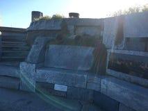 Tuyaux et un banc pour l'organe de vague, 2 images libres de droits