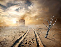 Tuyaux industriels dans le désert Images stock