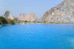 Tuyet Tinh Coc湖,自然Trai儿子山的,Hai phong,越南颜色蓝色湖 免版税库存照片