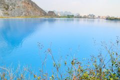Tuyet Tinh Coc湖,自然Trai儿子山的,Hai phong,越南颜色蓝色湖 库存照片
