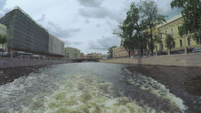 Tvärgatakanaler i St Petersburg lager videofilmer
