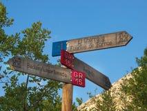 Tvärgator i den Pyrenean bergskedjan av Huesca royaltyfri fotografi