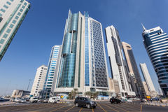 Tvärgator som är i stadens centrum i Kuwait City Royaltyfri Bild