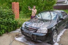 Tvättande bil Arkivfoto