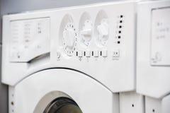Tvättande mashinekontrollbord royaltyfria foton