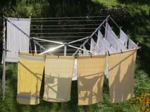 Tvätteri på en roterande tork arkivbilder