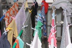Tvätteri som ut hänger för att torka royaltyfri fotografi