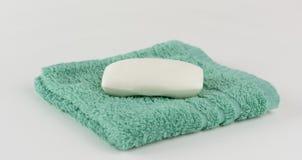 Tvättlapp och tvål Fotografering för Bildbyråer