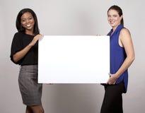 Två affärskvinnor royaltyfria foton