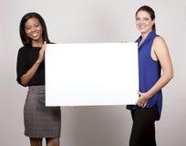 Två affärskvinnor arkivfoto
