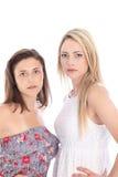 Två allvarliga missnöjda kvinnor Fotografering för Bildbyråer