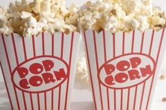 Två askar av popcorn Fotografering för Bildbyråer