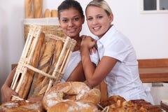 Två bageriarbetare Arkivbild