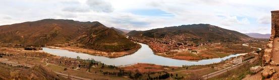 Två bergfloder Aragvi och Kura Arkivfoto