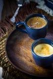 Två blåa koppar av espresso Fotografering för Bildbyråer
