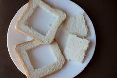 Två cutted skiva av vitt bröd royaltyfri foto