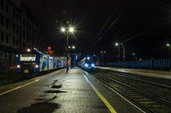 Två drev på stationen Royaltyfri Foto