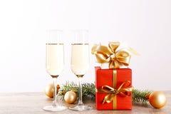 Två drinkar för begrepp för lyckligt nytt år royaltyfri fotografi
