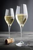 Två exponeringsglas av Champagne Royaltyfri Foto