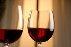 Två exponeringsglas av rött vin Royaltyfria Foton