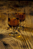 Två exponeringsglas av Scotch whisky Royaltyfria Bilder