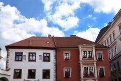Två-färgat hus Arkivfoto
