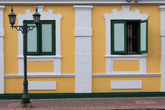 Två fönster Arkivfoto