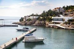 Två fartyg i den kroatiska hamnen Royaltyfria Bilder