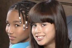 Två flickor royaltyfri bild