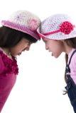 Två flickor grälar in Royaltyfria Bilder