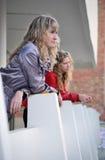 Två flickvänner arkivfoton