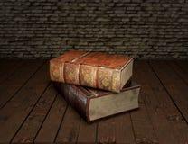 Två gamla böcker på trätabellen med fjädervingpennan i det glass bläckhornutbildningsbegreppet illustration 3d Royaltyfria Foton