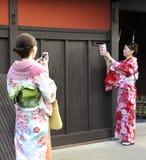 Två geishas Fotografering för Bildbyråer