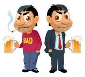 Två grabbar med öl De har oskick, men de misströstar inte Royaltyfri Bild
