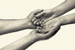 Två händer - förtroende Royaltyfri Foto