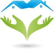Två händer och två hus, tak, fastighetlogo Arkivfoton