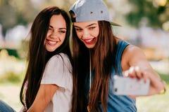 Två härliga flickor Royaltyfria Bilder