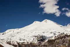 Två-hövdade Elbrus Fotografering för Bildbyråer